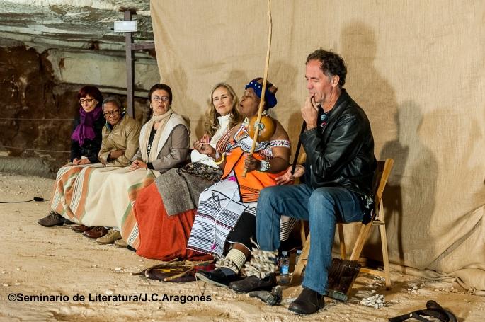 Sesión de narración oral organizada por el Seminario de Literatura en Atapuerca (Burgos).